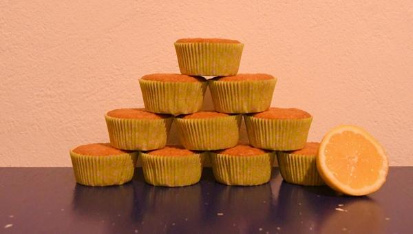 Zitronenmuffin-Pyramide