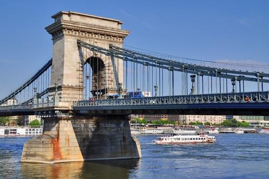 Kettenbrücke / Budapest (3)