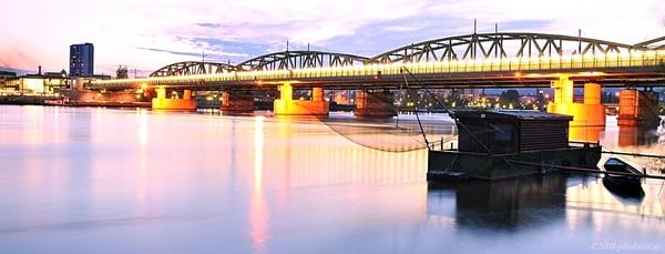 Zwei Ufer