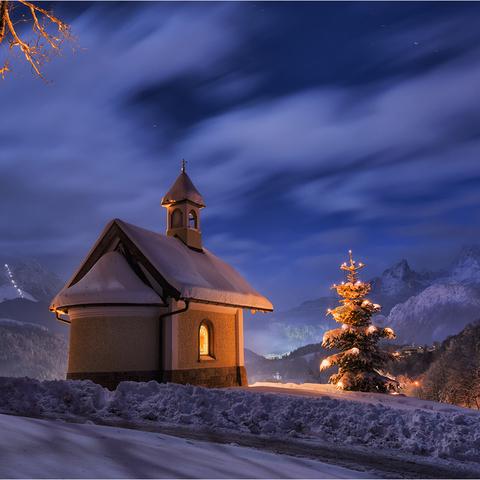 Kapelle im Mondlicht
