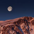 Monduntergang hinter dem Schneeberg