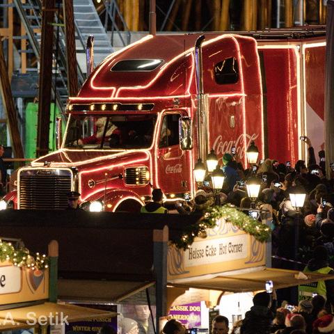Coca-Cola-Truck in Wien (Riesenradplatz)