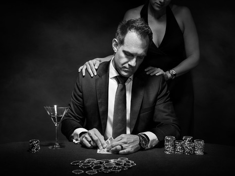 Pokerspieler mit Dame
