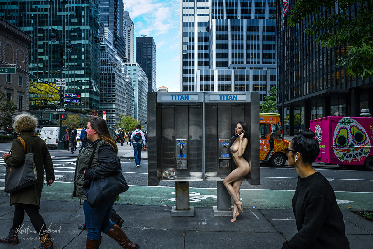 new-york-nude-in-public-phone-booth-titan