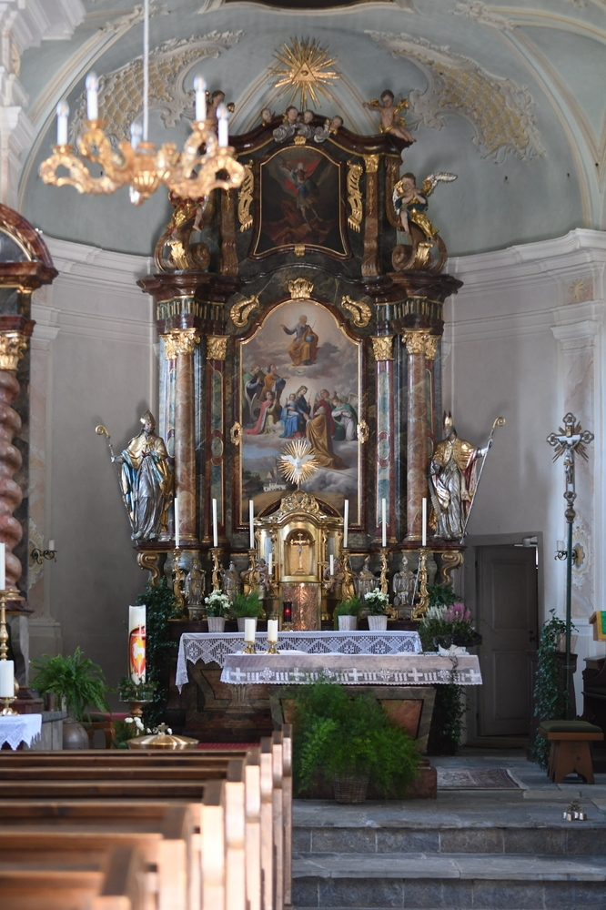 Gerling, Hl. Gotthard Kirche, Altar