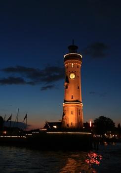 Die Hafeneinfahrt von Lindau, Bodensee