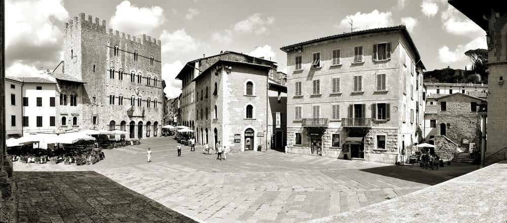Massa Marittima, Piazza Garibaldi
