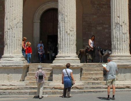 Santa Maria Sopra - Was wird da bestaunt :-))?