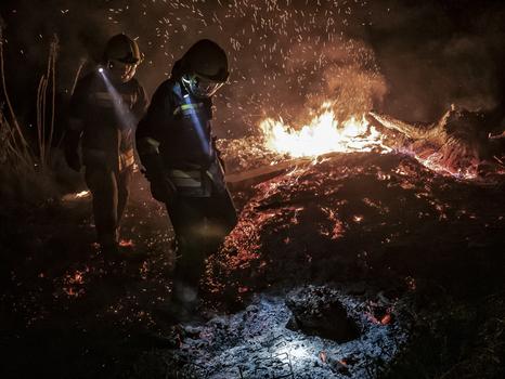 Feuerwehrmänner im Einsatz...