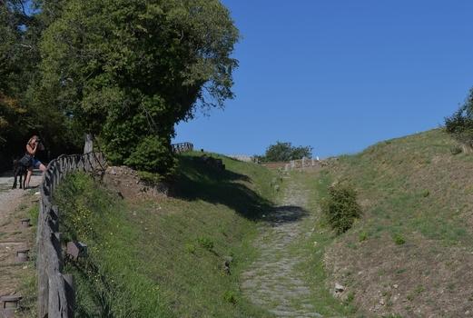Etruskisch - römische Prachtstrasse nach Roselle