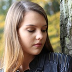 Model im Herbstwald 1