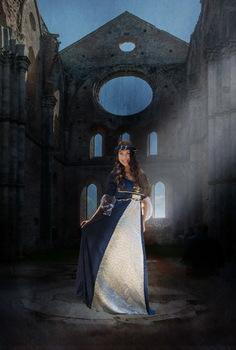 Miriam in der Burg