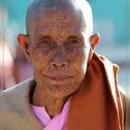 weiblicher Mönch in Burma