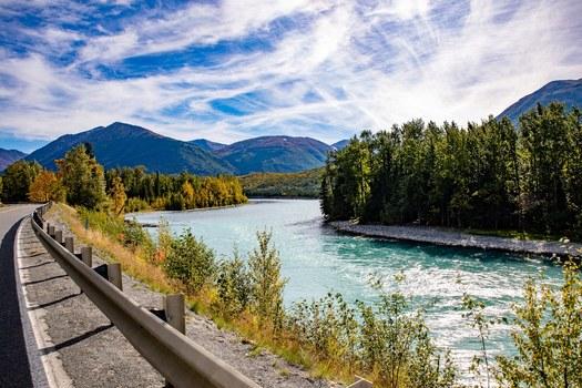 Kurze Pause. Sandwich, Kaffee und was braucht man sonst noch mehr in Alaska
