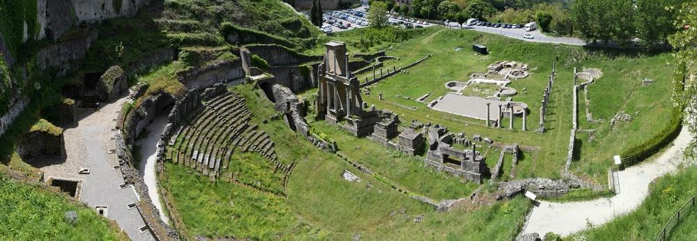 Römisches Theater und Therme in Volterra