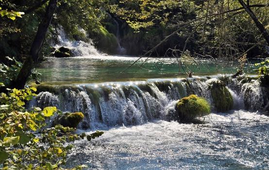 Wasser - KOSTBARES Wasser