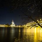 Nachts an der Donau