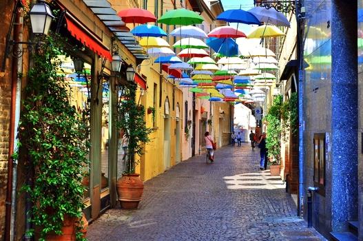 Ombrelli (3) / Ravenna / Italien