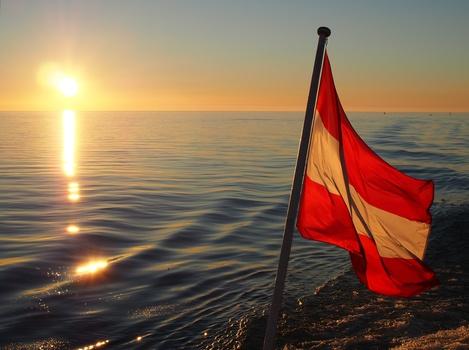 Sonnenuntergang auf einem Bodenseeschiff