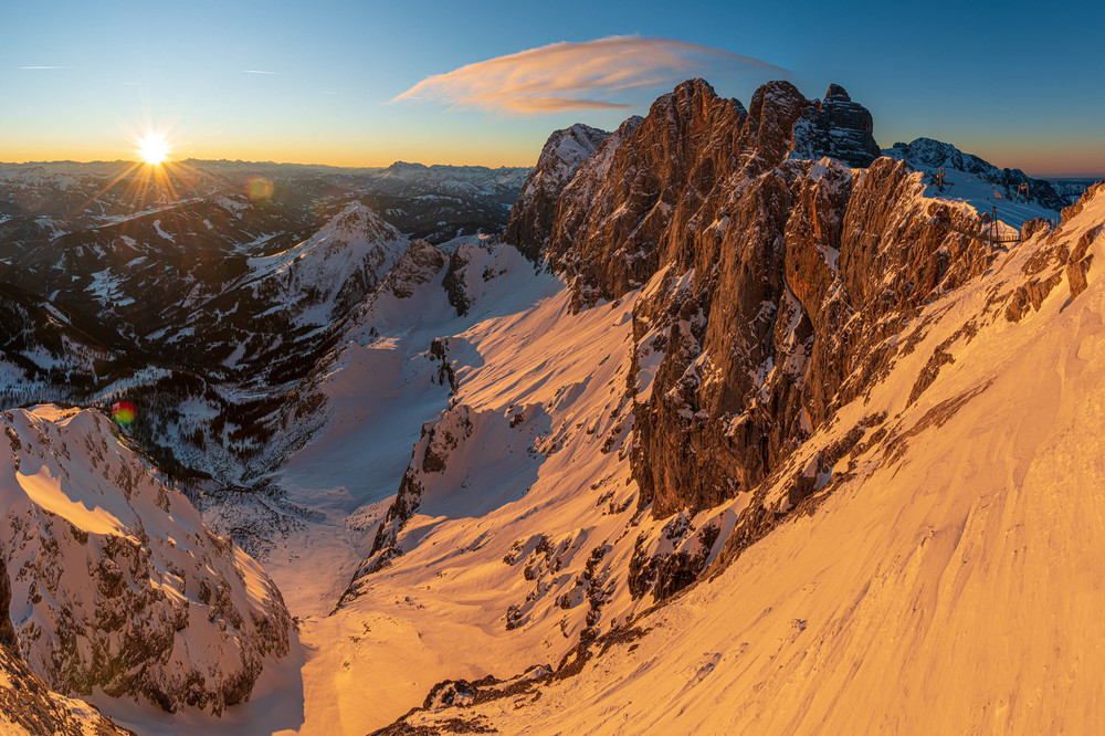 Dachsteinsüdwand im Sonnenuntergang