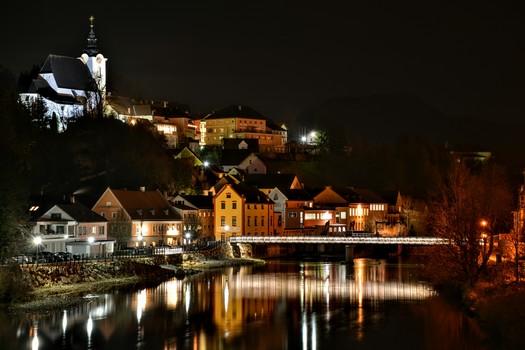 Steinbach bei Nacht