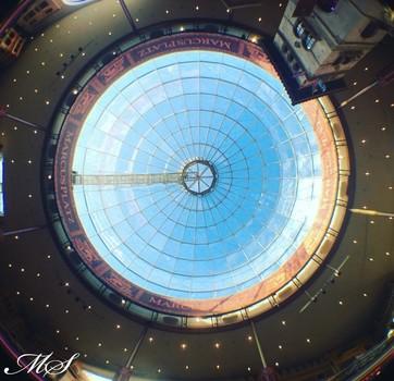 Plus City Markusplatz Glaskuppel