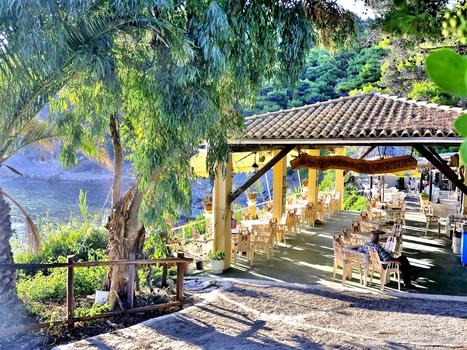 Yaliskari Taverna / Korfu