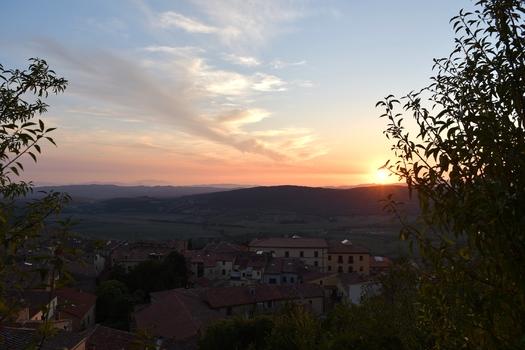 Sonnenuntergang über Massa Marittima
