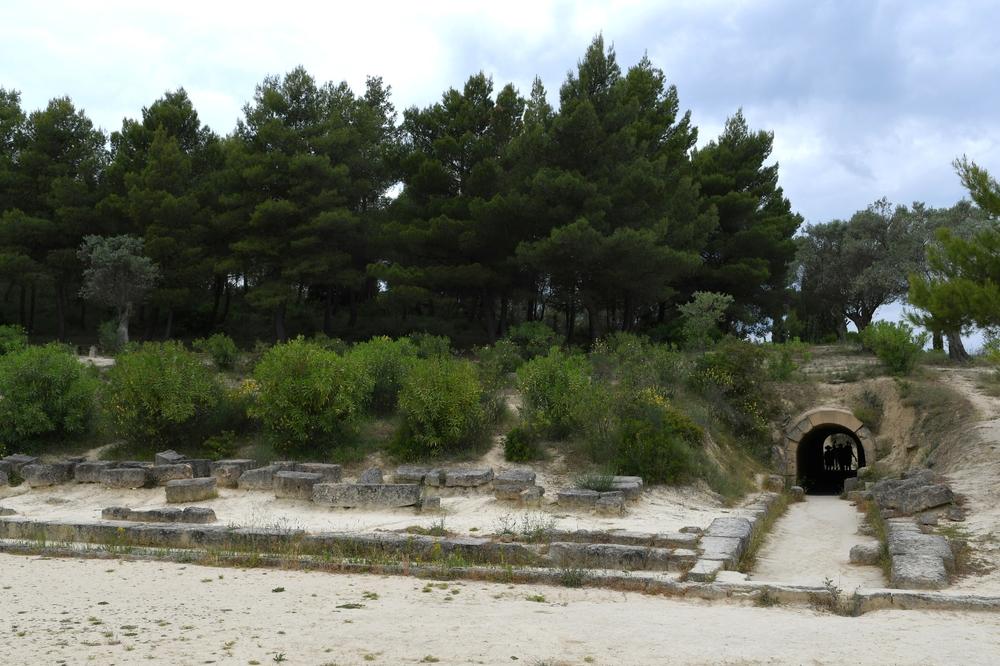 Nemea, das antike Stadion ...