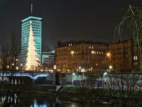 Ringturm zur Weihnachtszeit