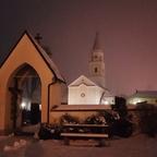 Frisch verschneite Kirche