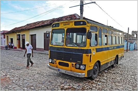 Kuba, Trinidad, Schulbus