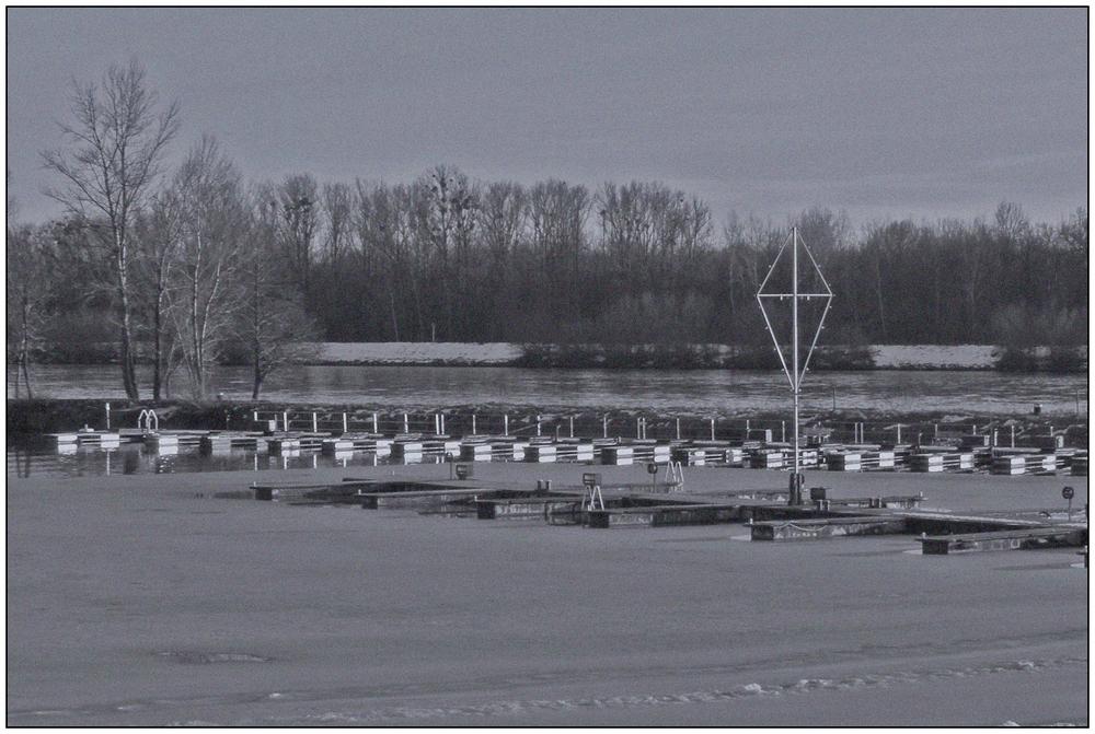 Yachthafen im Winter