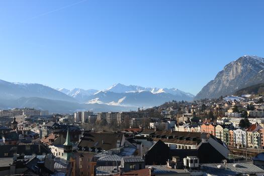 Die Stadt in den Bergen