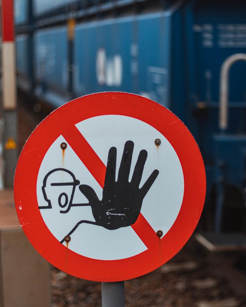 Halt Stop!
