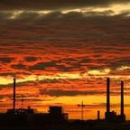 Sonnenuntergang über den Schornsteinen