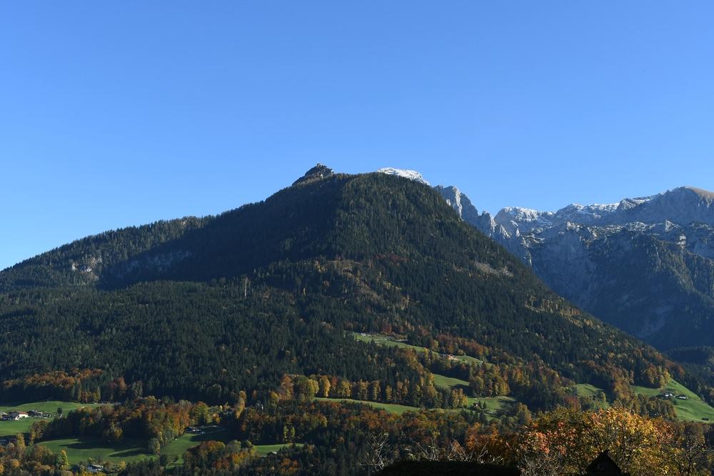 Kehlsteinhaus/Obersalzberg und der Göll im Hintergrund