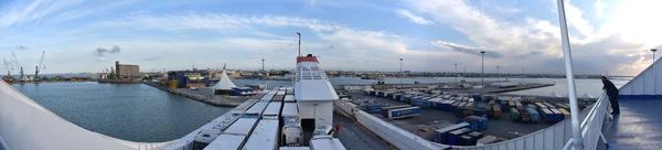Bari - Fährhafen ...