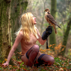 the amazone and her hawk...