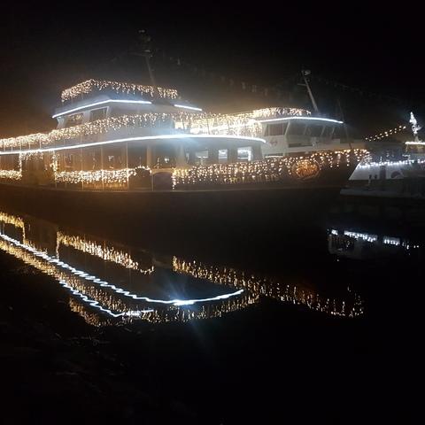 Wörthersee Schiff bei Nacht