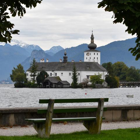 Schloss Ort mit Esplanade in Gmunden