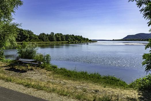 Kurze Rast an der Donau