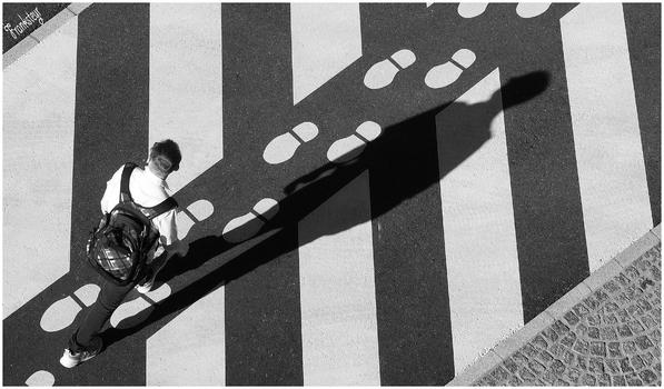 Dein Schatten wird dir immer folgen.
