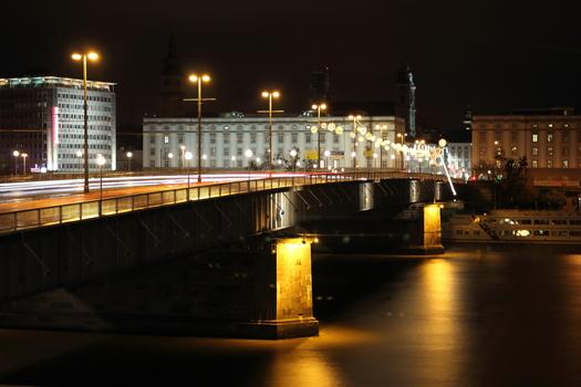 Linz bei Nacht_2
