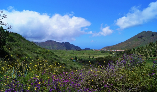 Blick über Santiago del Teide auf Teneriffa