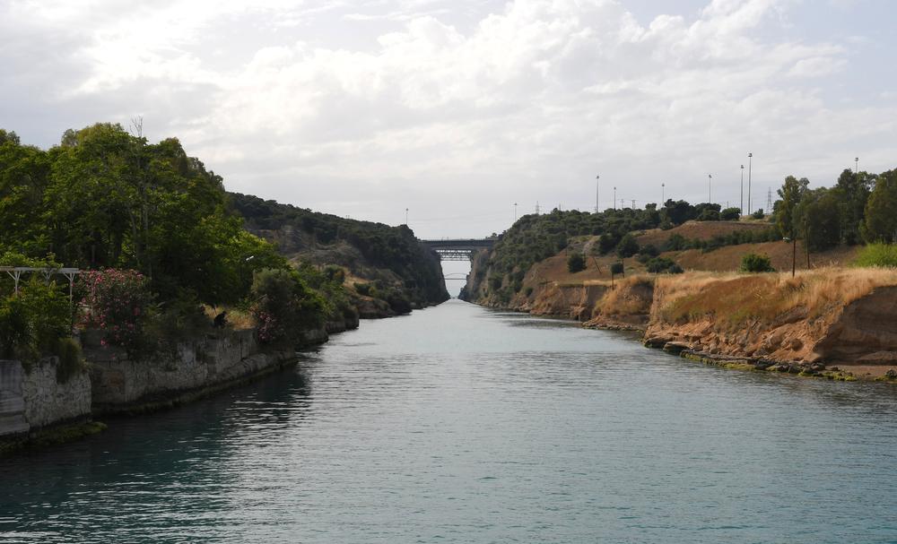 Blick durch den Kanal von Korinth (Ost nach West)