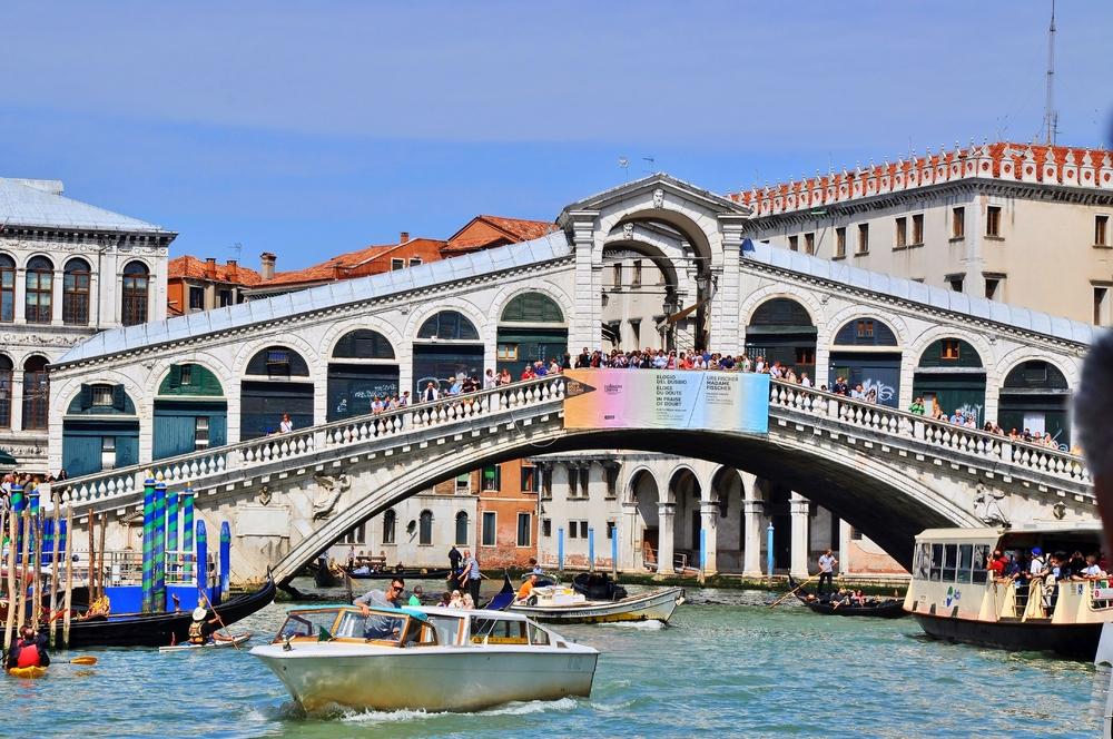 Ponte di Rialto / Venedig