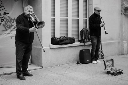 Straßenmusiker in Paris