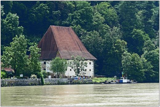 Obermühl/Donau, Getreidespeicher