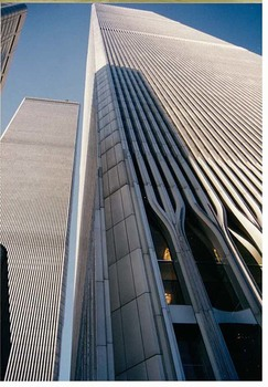 FASSADENDETAIL VOM 9/11 WORLD TRADE CENTER IN NEW YORK VOR CA. 40 JAHREN